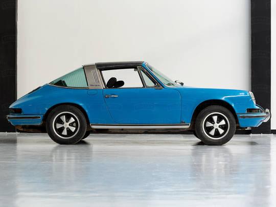 A 1972 Porsche 911T Stages a Colorful Comeback